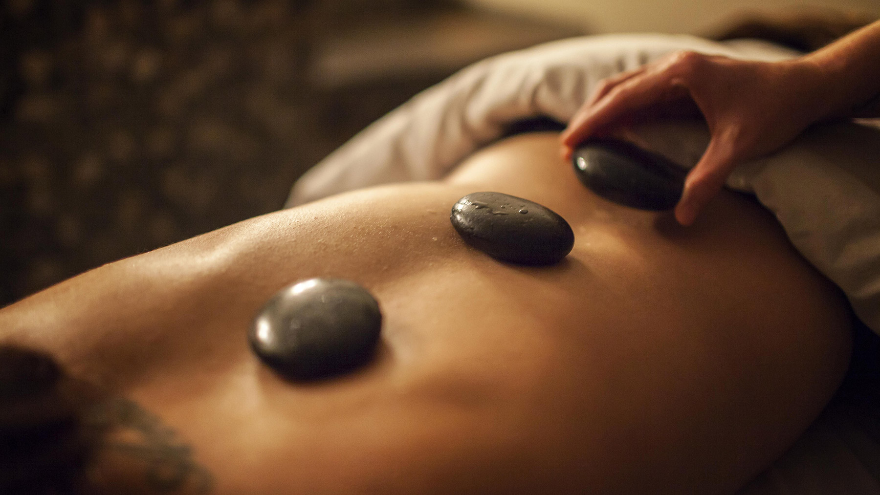 Massage Treatment at Urban Oasis Mineral Spa